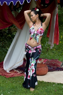 Belly dance cabaret costume - Night Blossom
